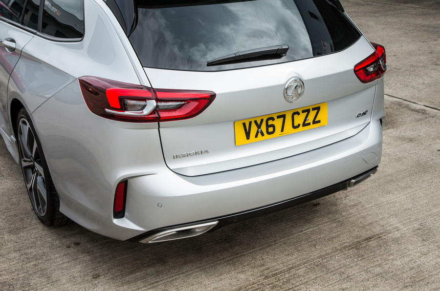 Name:  10-vauxhall-insignia-sports-tourer-gsi-review-rear-end.jpg